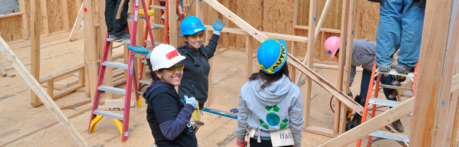 Baruch College Students Volunteer in Philadelphia